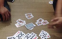 Nguyên phó giám đốc Sở ở Quảng Ninh bị bắt quả tang đang đánh bạc