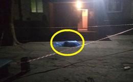 Xuống tầng hầm lấy xe cùng bố, bé trai 21 tháng tuổi bị một người nhảy lầu đè bẹp, tử vong