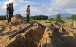 """2 người xăm trổ """"hù dọa"""" dân vì phản ánh khai thác cát ở sông La Ngà"""