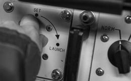"""Ông Trump không có """"Nút bấm Hạt nhân"""" nào cả, tấn công tên lửa đâu đơn giản như thế!"""