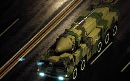 """Trung Quốc sẽ """"đánh"""" Mỹ bằng vũ khí gì nếu xảy ra chiến tranh giữa hai nước?"""