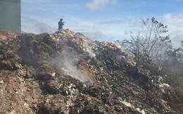 Bãi rác bủa vây di tích quốc gia