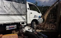 Xe tải mất lái tông, hai vợ chồng thương vong