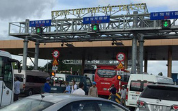 Người lạ đánh tài xế trốn vào trụ sở trạm thu phí BOT Sóc Trăng
