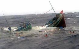Gia đình làm lễ tang cho 8 nạn nhân mất tích vì chìm tàu