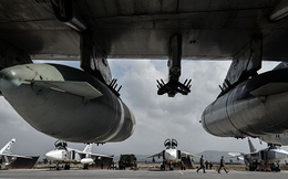 """Thế lực ngầm tấn công căn cứ Nga quá bí ẩn: Chính quyền Assad, Iran """"đánh úp"""" Moscow?"""