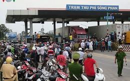 Tài xế dùng tiền 200 đồng qua trạm BOT Sông Phan làm ùn tắc quốc lộ 1