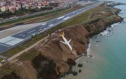 Máy bay Thổ Nhĩ Kỳ gặp nạn, nằm cheo leo trên vách đá