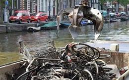 Vớt được 15.000 xe đạp/năm dưới kênh rạch ở Amsterdam, vì sao lại có con số kinh khủng vậy?