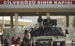 Căng thẳng dâng cao, dàn xe thiết giáp Thổ Nhĩ Kỳ ồ ạt áp sát biên giới Syria