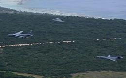 B-52 rầm rộ tới Guam, Mỹ chứng tỏ uy lực của nút bấm hạt nhân