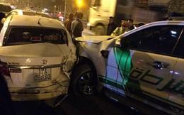 4 xe ô tô tông nhau liên hoàn trên phố