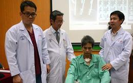 Bác sĩ dùng tay bóp tim để cứu sống bệnh nhân vỡ động mạch chủ
