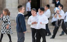 Vì sao người Do Thái luôn dạy con 2 cái tai > 1 cái miệng?