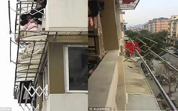 Người đàn ông mạo hiểm tính mạng để cứu em bé 3 tuổi rơi ra ngoài cửa sổ