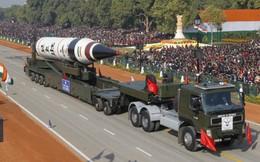 """Bị các nước láng giềng phong tỏa tên lửa, tại sao Trung Quốc vẫn """"bình chân như vại""""?"""