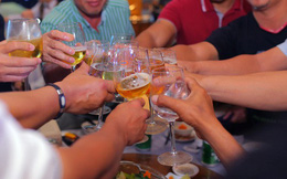 """Rượu và thuốc không phải là… """"rượu thuốc"""""""