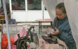 22 năm chờ đợi mòn mỏi bên ven đường của người mẹ có hai đứa con thất lạc