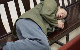 Bị cáo 79 tuổi hiếp dâm bé gái 3 tuổi bị tăng án tù dù kêu oan và tỏ ra ốm yếu