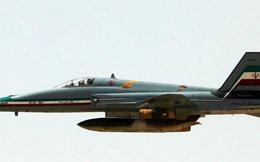 Máy bay quân sự Iran cảnh cáo 2 'tàu lạ' tiếp cận khu vực tập trận