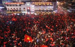 TƯỜNG THUẬT: NHM đổ ra đường ăn mừng chiến công lịch sử của U23 Việt Nam