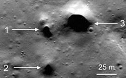 Phát hiện 200 hố nghi dẫn nước trên Mặt Trăng
