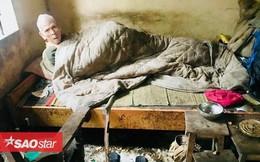 Rưng rưng trước chia sẻ của chàng trai bị mất một chân dành cả tuổi thanh xuân lo cho cụ già neo đơn nằm liệt giường