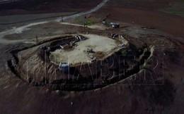 Thổ Nhĩ Kỳ công bố cảnh người Kurd xây dựng các chiến hào dọc biên giới Syria