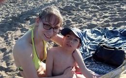 Bi kịch gia đình neo đơn: Không mua nổi xe lăn cho con trai tật nguyền, mẹ đơn thân ôm con nhảy lầu tự sát