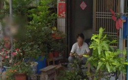 Xem ảnh Google Maps, người phụ nữ bật khóc khi tình cờ thấy người mẹ đã qua đời đang ngồi trước hiên nhà