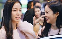 Nữ thần xứ Hàn Kim Tae Hee đẹp rạng rỡ, được cả đội vệ sĩ hùng hậu hộ tống tại sân bay Nội Bài