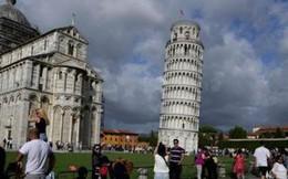 Tin vui: Tháp nghiêng Pisa càng ngày càng thẳng