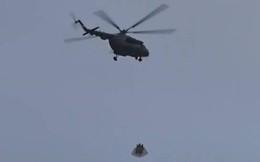 Trực thăng mang theo kiện hàng bí ẩn bay qua Điện Kremlin