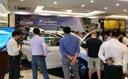 Đủ tiền mua xe cũng khó lấy chơi Tết - Nỗi chán ngán cuối năm của khách Việt