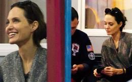 Angelina Jolie bị bắt gặp tán tỉnh và xin số điện thoại thầy giáo của con gái?