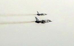 Anh tố 17 chiến đấu cơ Nga kèm cặp tàu chiến NATO gần Crimea