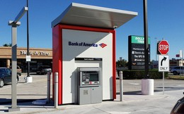 Rút 10 USD được 100 USD, người dân đổ xô tới cây ATM để rút tiền