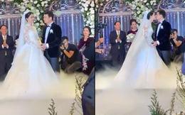 Cận cảnh nụ hôn môi ngọt ngào của Á hậu Thanh Tú và chồng đại gia trong đám cưới xa hoa