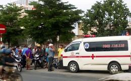 Xe cấp cứu tông 2 cán bộ thanh tra giao thông bị thương