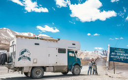 Bỏ lại cuộc sống bận rộn, gia đình 3 người lái xe tải đi khắp thế gian và cho ra những bức ảnh đẹp mê mẩn