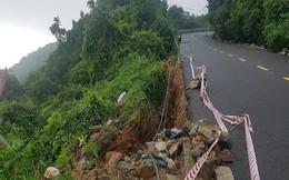 Bán đảo Sơn Trà sạt lở nghiêm trọng, đất đá lao xuống đường