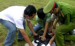 Bị vây bắt, đối tượng buôn ma túy dùng dao, súng chống trả