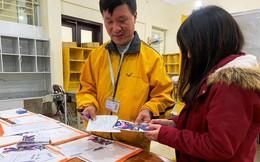 Gần 8 ngàn vé trận Việt Nam - Malaysia chuyển qua bưu điện
