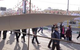 """Mỹ hối hả giục LHQ """"mạnh tay"""" tên lửa Iran: Nga, Trung không để yên."""