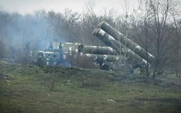 """Quân đội Ukraine dùng S-300 """"khóa"""" bầu trời Donbass"""
