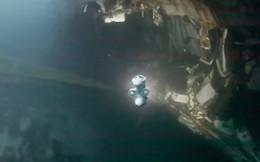 Video: Khu trục hạm Na Uy chìm hẳn dưới đáy biển sau khi bị tàu chở dầu đâm rách thân