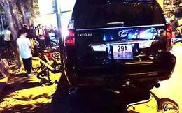 Chi tiết chiếc Lexus đâm hàng loạt xe máy ven hồ Tây