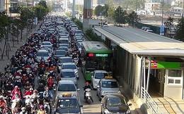 Đề xuất thu phí khí thải: Phí chồng phí, xe máy ô tô gánh thêm phí mới?