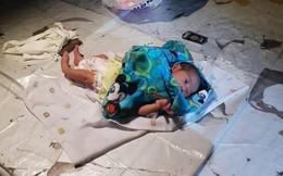 Bé trai 2 tuần tuổi bị bỏ lại giữa chợ trong đêm khuya vắng, cảnh sát điều tra ngỡ ngàng khi biết nguyên nhân