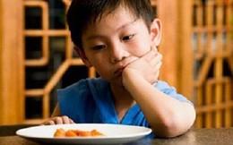 Lời khuyên của bác sĩ về cách khắc phục biếng ăn ở trẻ